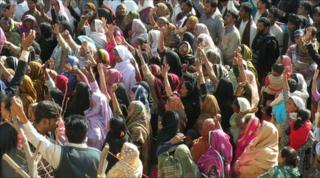 Mourners at the funeral of Shahbaz Bhatti