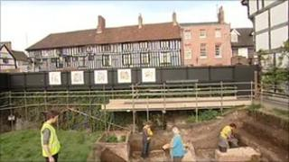 Archaeologists digging at the site of Shakespeare's last home