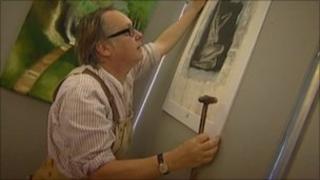 Vic Reeves prepares exhibition