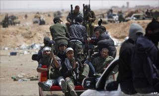 Rebels near Ajdabiya (19 April 2011)