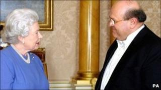 The Queen and Dr Sami Khiyami in 2005
