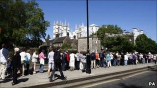 Well-wishers queue to see the inside of Westminster Abbey