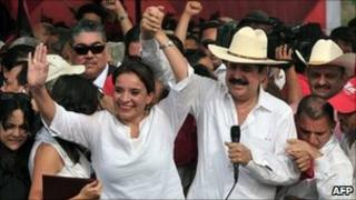 Manuel Zelaya and his wife address their supporters in Tegucigalpa. Photo: 28 May 2011
