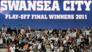 Swans fans celebrate at Wembley