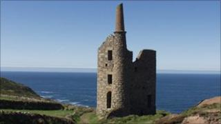 Old tin mine in west Cornwall - Pic: Ben Way