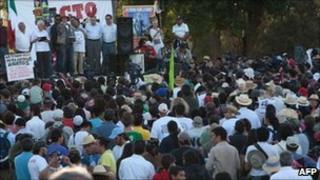 Javier Sicilia and members of the peace caravan in Ciudad Juarez - 10 June 2011