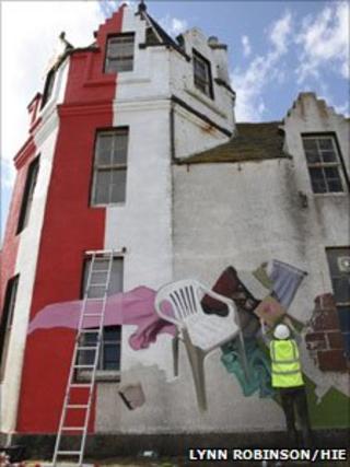 Artist working on the John O'Groats Hotel