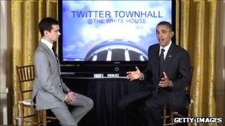 Twitter co-founder Jack Dorsey speaking with President Barack Obama during the Twitter town hall event