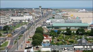 Great Yarmouth seafront (Photo: Norfolk - Time to Explore)