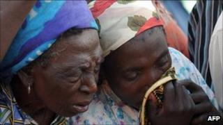 Women mourn deaths in Jos (March 2010)