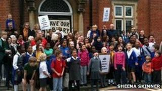 Protesters outside Kensal Rise Library