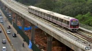 Bangalore Metro rail trial run on 17 October 2011