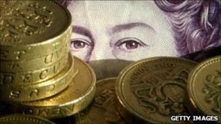 Bank note and £1 coins