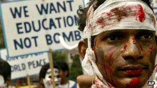 Protests against nuclear bomb in India