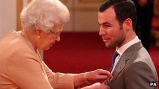 Mark Cavendish receives MBE
