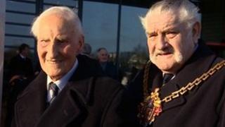 (L to R) Bert Williams and mayor Bert Turner