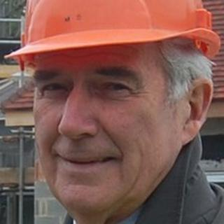 Jurat Mike Tanguy
