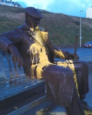 Statue in Scarborough