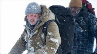 Liam Neeson with Nonso Anozie in The Grey