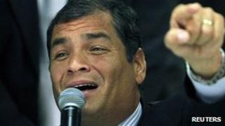 President Rafael Correa speaks during a news conference after a court session at the Ecuadorean Justice Supreme Court in Quito, 24 January 2012.