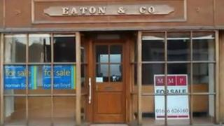 An empty shop in Newtown