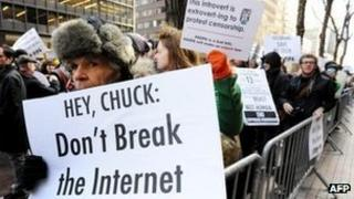 Anti-piracy law protest in US
