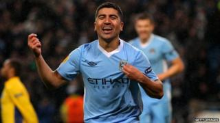 David Pizarro celebrating his first goal for Manchester City