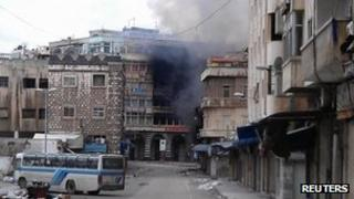 Smoke from shelling in Homs, Syria (26 Feb 2012)