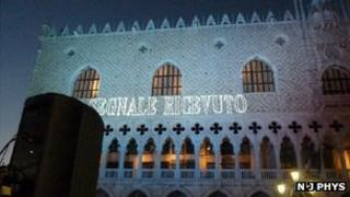 """Signal received"" message on Palazzo Ducale"