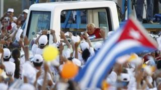 Pope Benedict arrives at the Antonio Maceo Revolution Square to officiate a mass in Santiago de Cuba, 26 March 2012