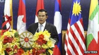Cambodian Prime Minister Hun Sen addresses the opening ceremony of the 20th ASEAN summit at the Peace Palace in Phnom Penh, 3 April 2012