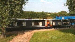 The Pied Piper narrowboat.