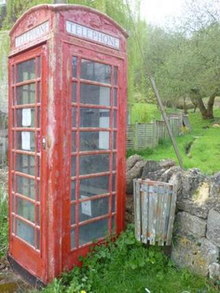 Phone box in Ruscombe