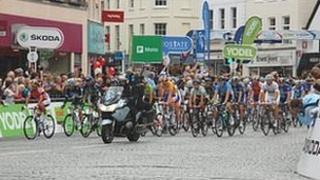 TOB 2011 stage six start in Taunton