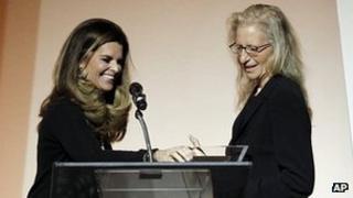 Maria Shriver (left) and Annie Leibovitz