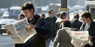Newspaper readers in Belarus