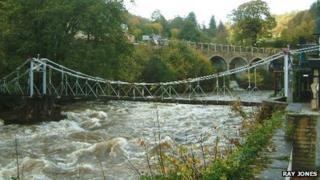The chain bridge looking towards Berwyn Station
