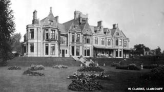 Insole Court in 1909