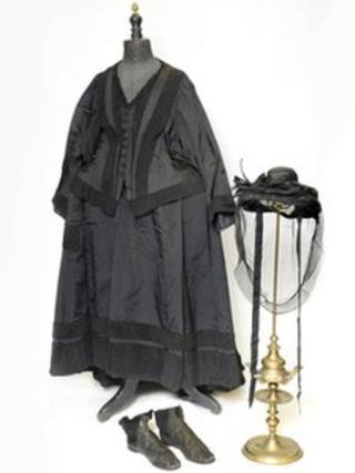 Queen Victoria's mourning outfit
