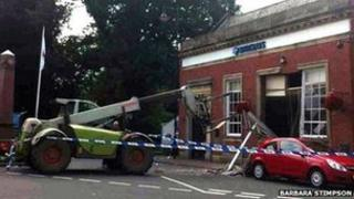 JCB machine used to steal cashpoint