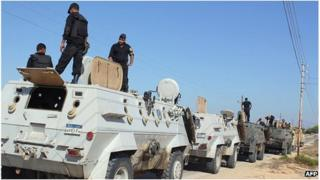 Egyptian armoured personnel carriers on the Sinai peninsula (8 Aug 2012)