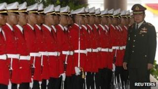 File photo: Thailand's Gen Prayuth Chan-ocha (R)