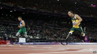 Alan Oliveira pips Oscar Pistorius to the line at the Olympic Stadium