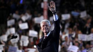 Former President Bill Clinton waves to the Democratic convention on Charlotte (6 Sept 2012)