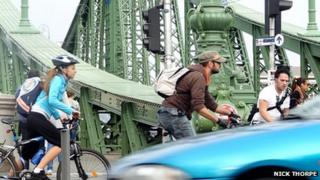 Cyclists and traffic in Budapest