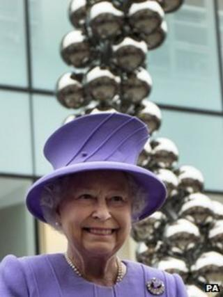 The Queen at the unveiling of the Jubilee artwork