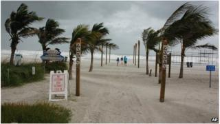 Palm trees in the wind at Cocoa Beach, Florida (26 Oct 2012)