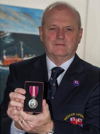 Bob O'Neill with his Queen's Diamond Jubilee medal. Copyright RNLI/Dave Cocks