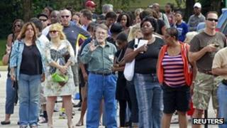 Long lines of voters are seen at the Supervisor of Elections office in West Palm Beach, Florida 5 November 2012