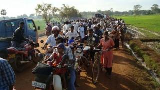 Displaced Sri Lankans in the Vanni area as a result of fighting between government forces and the LTTE
